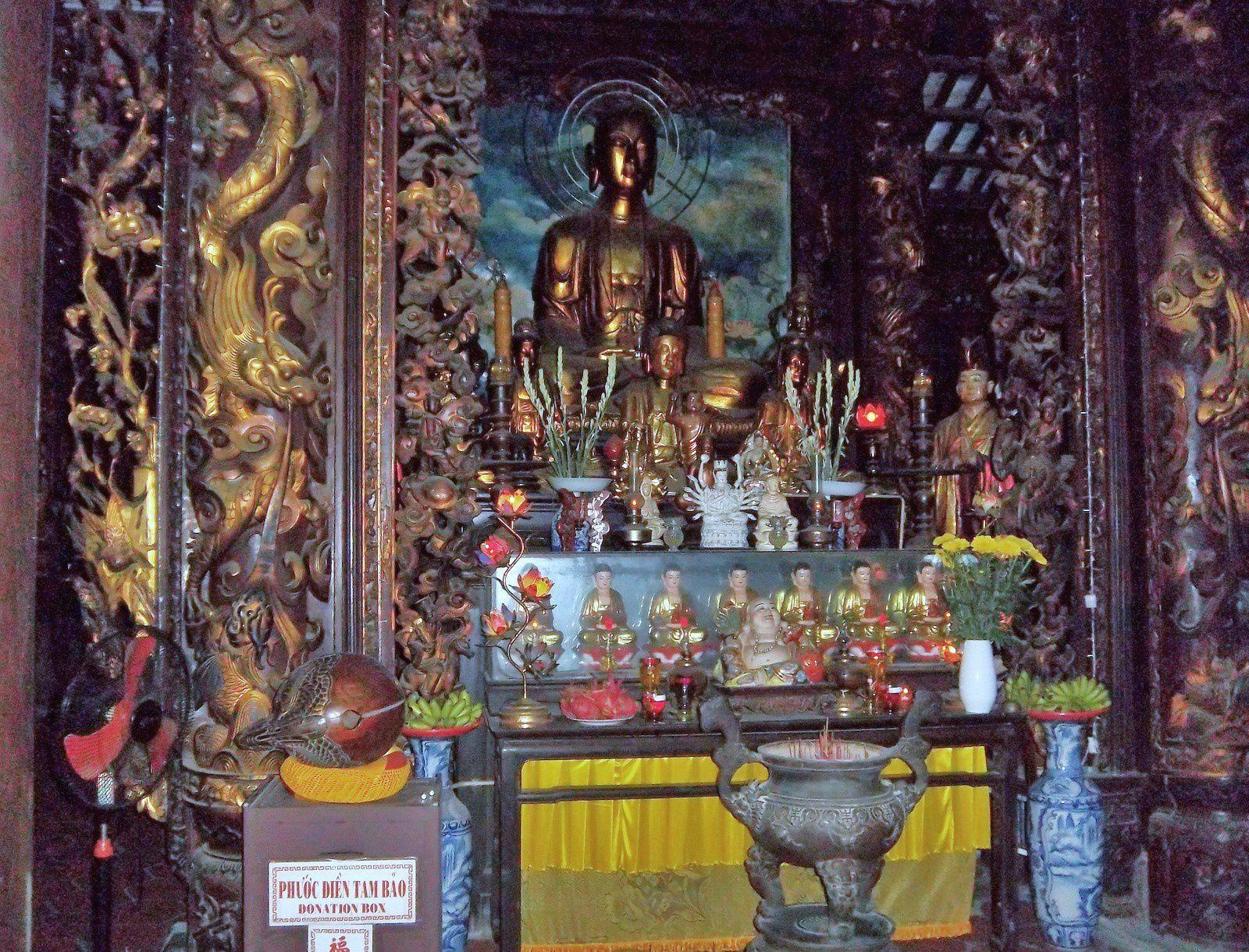 La pagode de Vinh Trang, bouddhas (1/2)