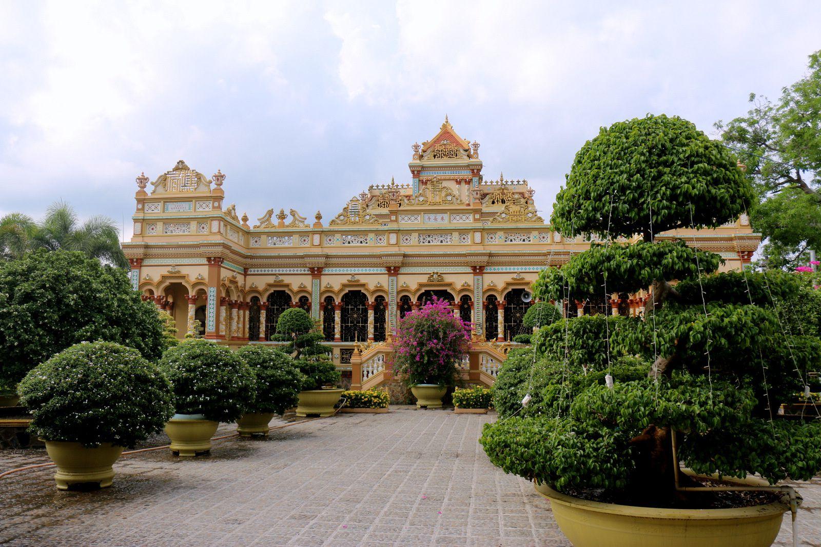 La pagode de Vinh Trang, bouddhas (2/2)