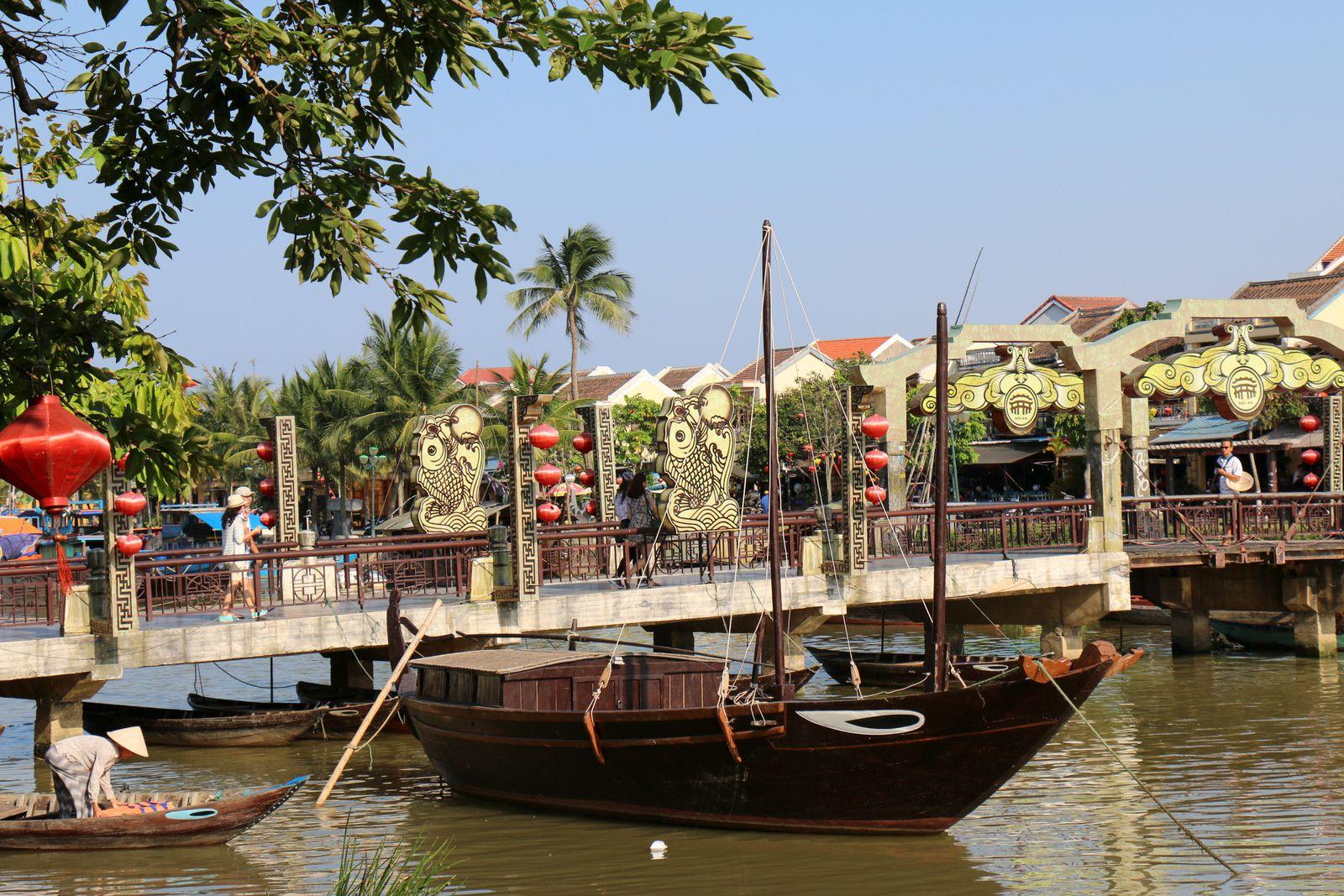 Au bord de l'eau du côté de Hội An (Vietnam)