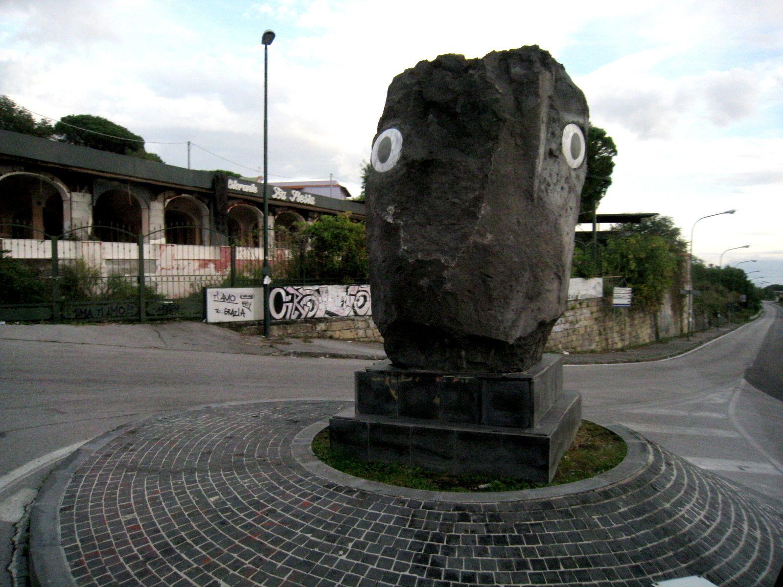 Sculptures sur la route du Vésuve