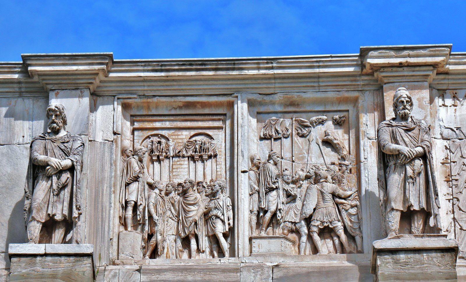 Un chef ennemi prisonnier amené devant l'empereur et D'autres prisonniers présentés à l'empereur