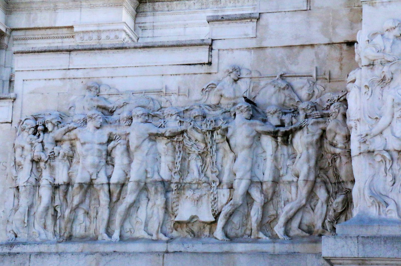 Le monument à Victor-Emmanuel II (Rome), bas-reliefs