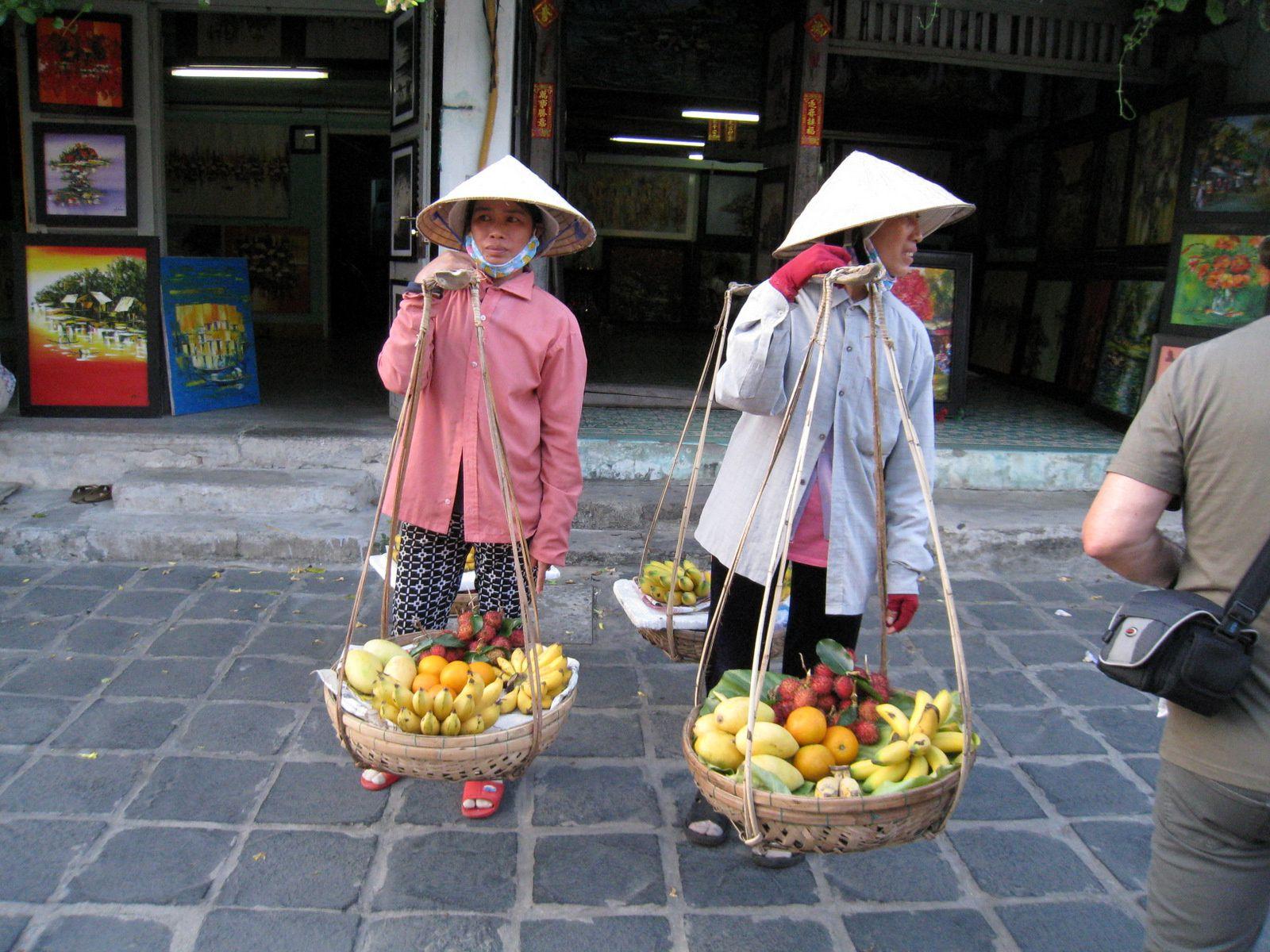 Commerces dans les rues d'Hanoï (Vietnam)
