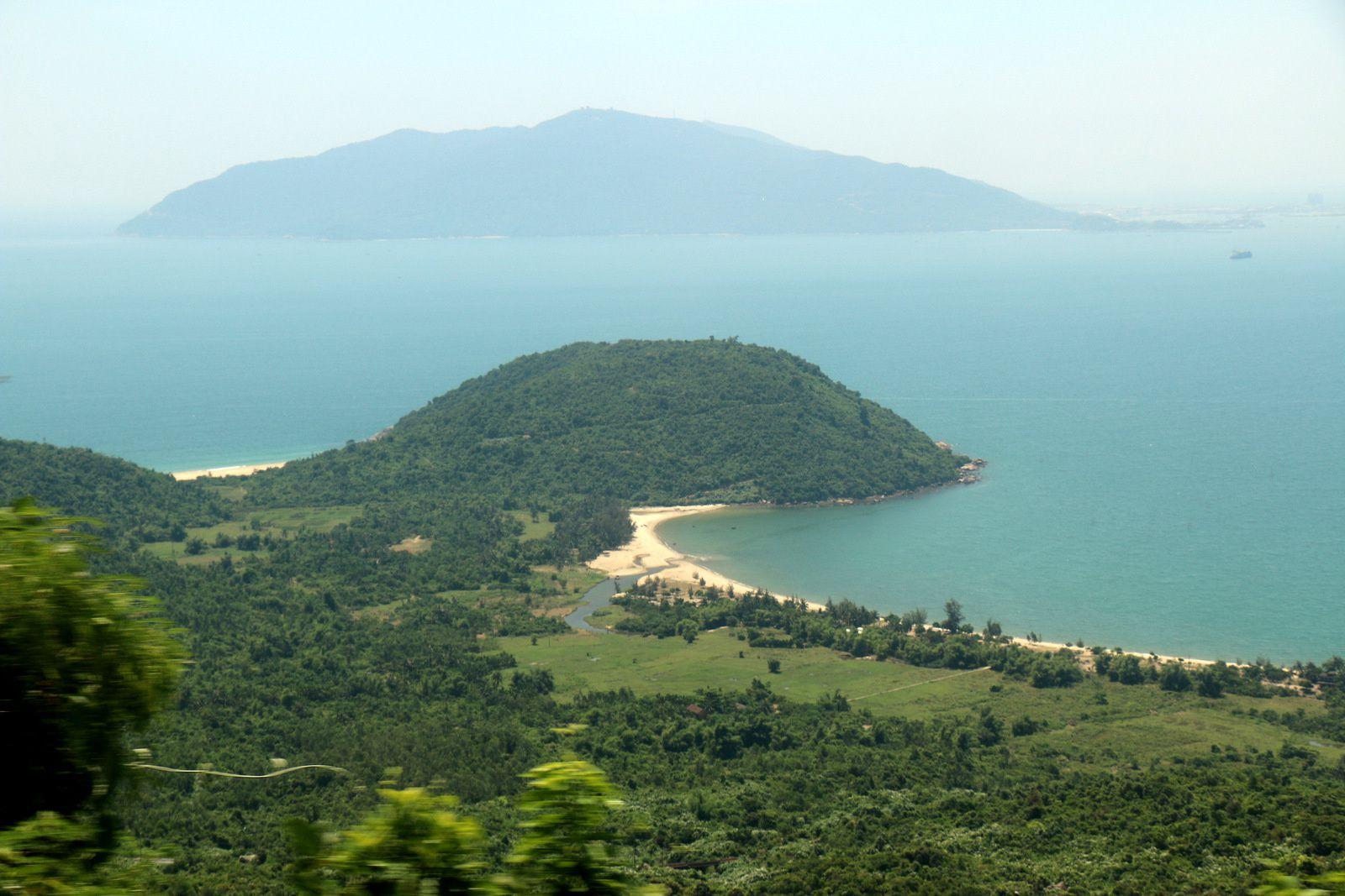 La baie de Lăng Cô, Vietnam