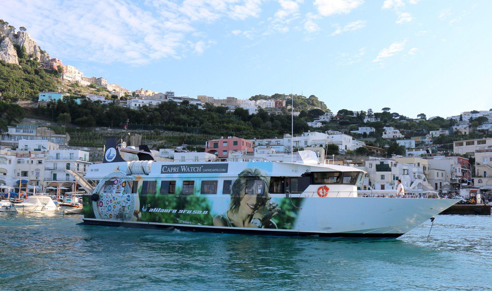 L'île de Capri, Marina Grande