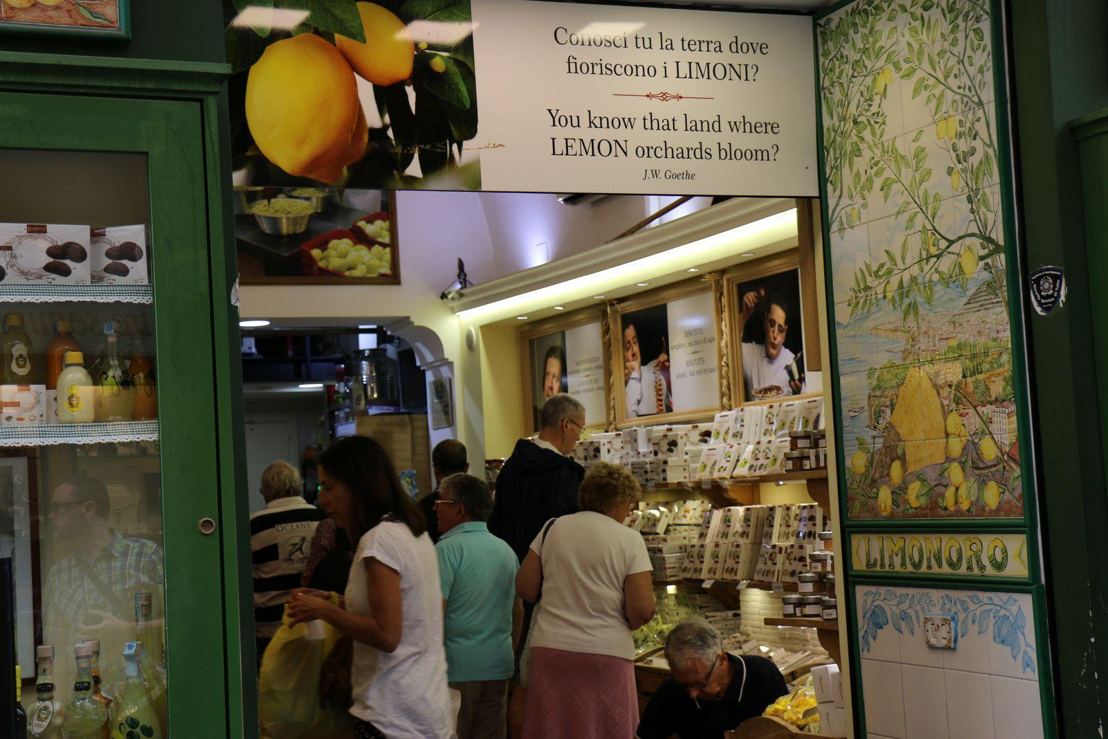 Commerces à Sorrente (Italie)