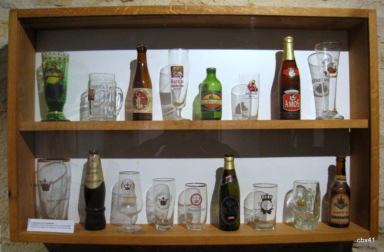 Musée de la Bière de Stenay, bouteilles et verres