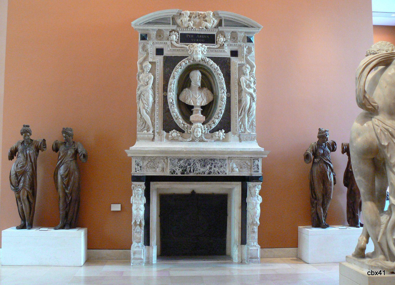 Cariatides, musée du Louvre