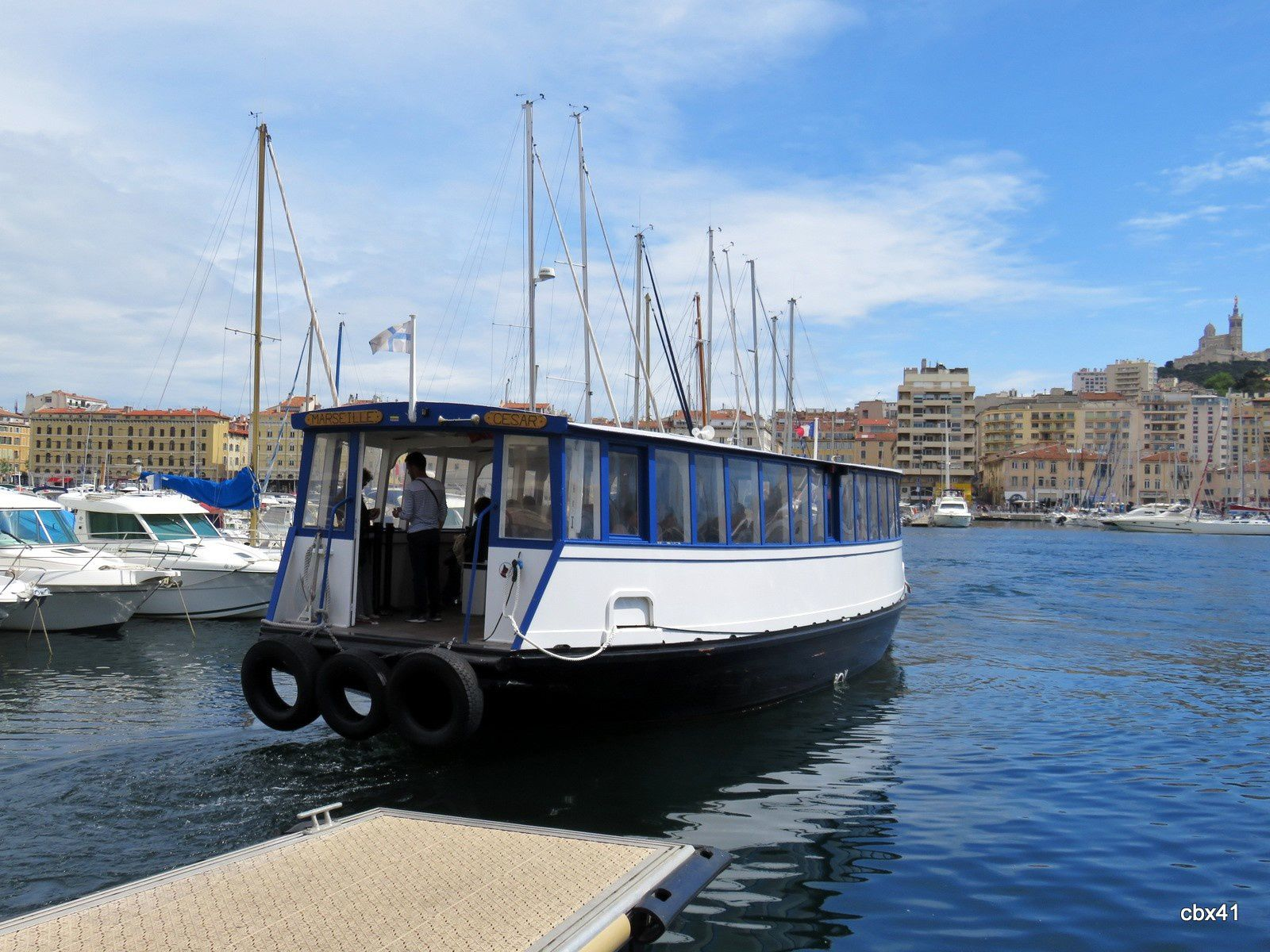 Le ferry-bo'at du Vieux-Port de Marseille