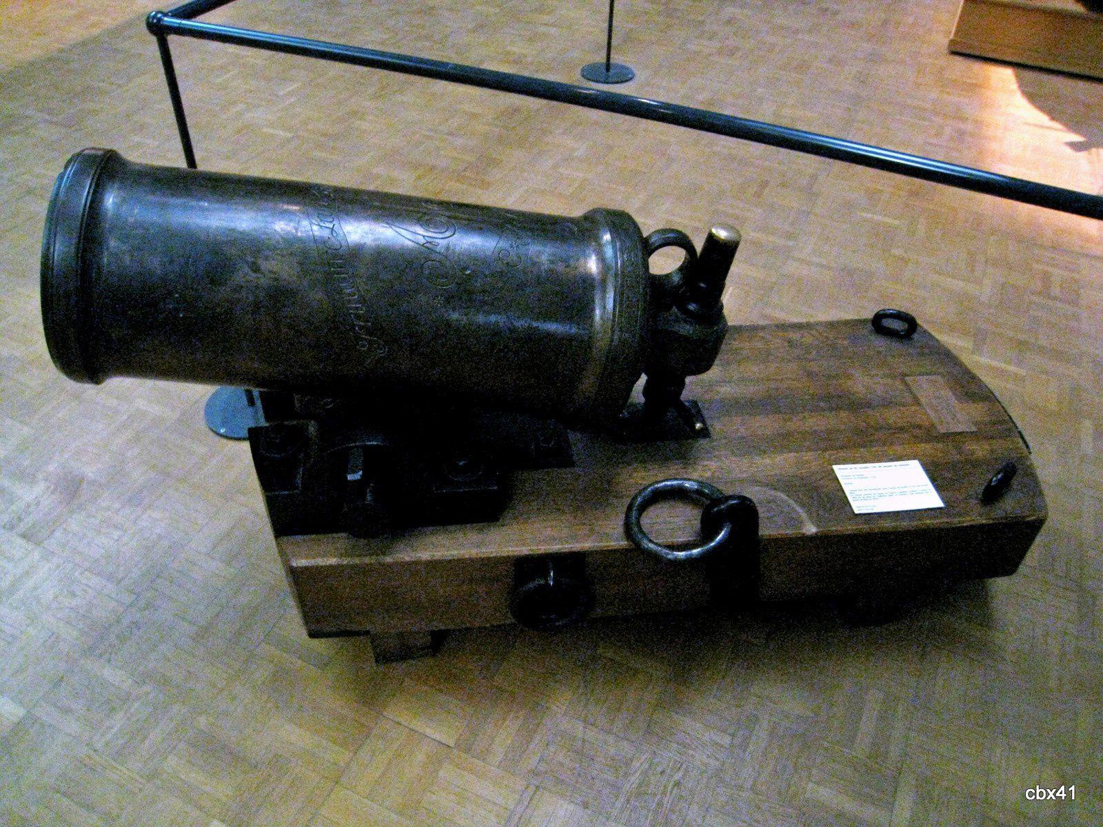 Appareillage du contre-torpilleur Bombarde (1917/18) et obusier de vaisseau