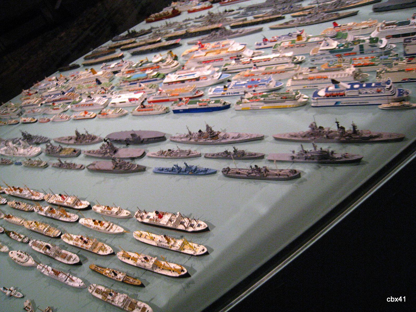 Modèles de bateaux en plomb (Collection d'André Larousse)