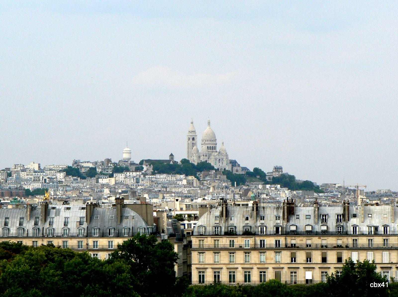 Statues du toit du musée d'Orsay