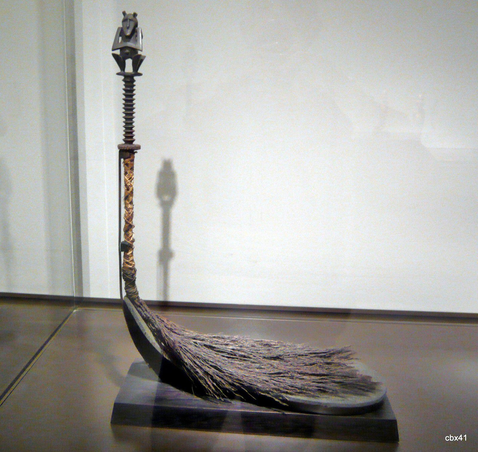 Sculpture des îles Australes (chasse-mouche)