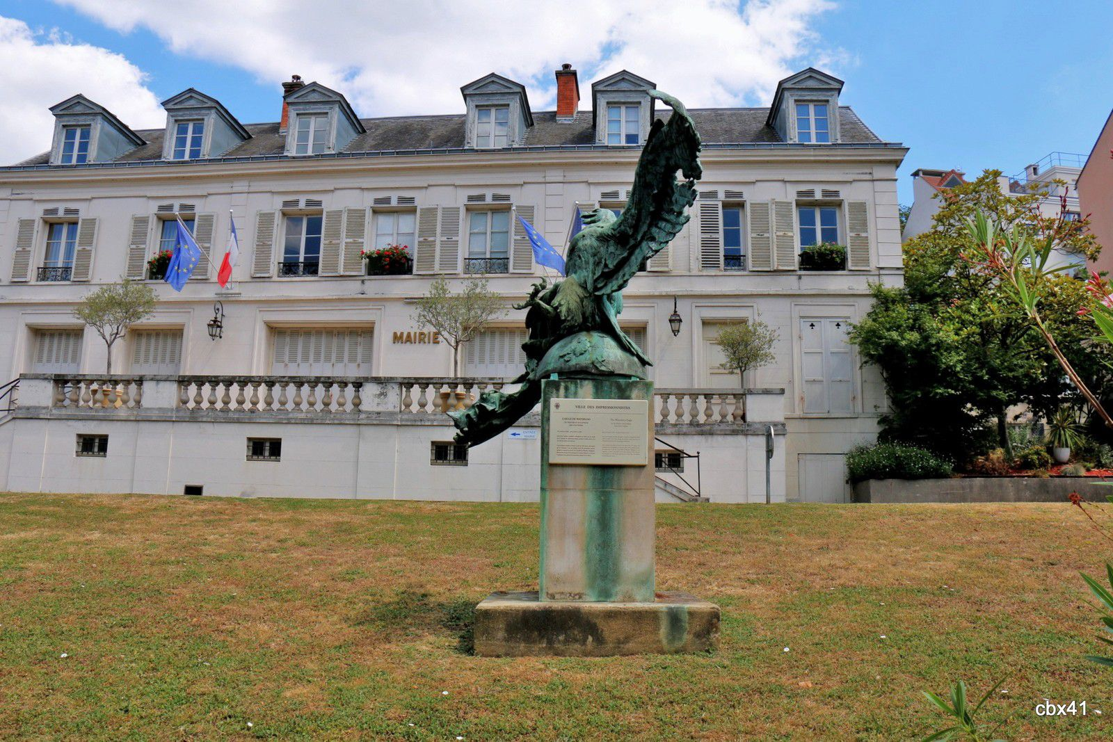 L'Aigle de Waterloo, Bougival