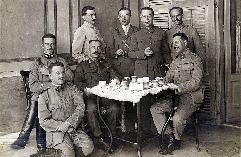 Membres du deuxième bureau à Salonique en 1914
