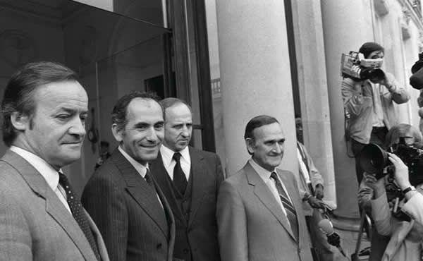 Conseil des ministres du gouvernement Mauroy. Marcel Rigout, deuxième à droite
