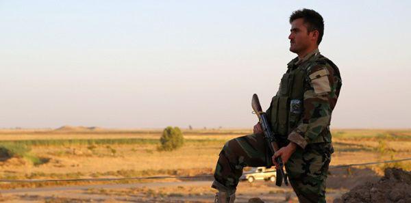 Un combattant kurde à Tuz Khurmatu en Irak, le 24 juin 2014