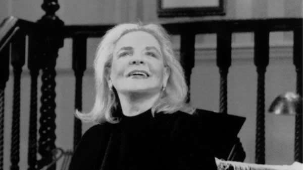 """Lauren Bacall is shown in the 1999 Broadway revival of Noel Coward's """"Waiting in the Wings"""" at the Walter Kerr Theatre in New York. (Henry Grossman)"""