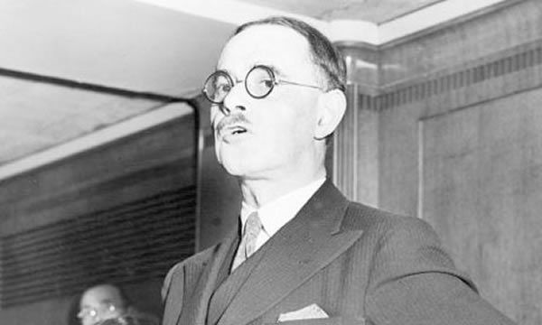 Professor Harold Laski addressing an audience while Labour party chairman