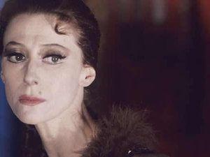 Maïa Plissetskaïa était l'une des deux seules ballerines de l'Union soviétique à avoir été consacrée du titre de «Prima ballerina assoluta»