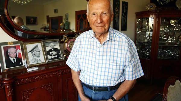 L'ancien président turc Kenan Evren le 4 septembre 2010 à Ankara. Il est décédé samedi à Ankara à l'âge de 97 ans.