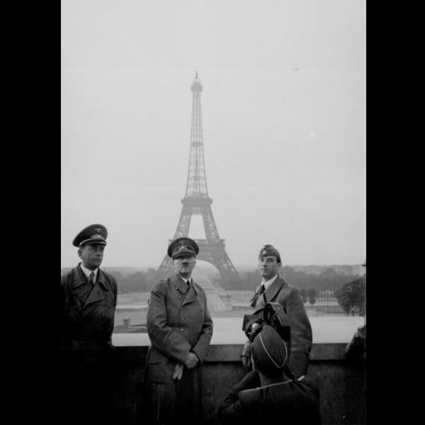 """Fotoband über den """"Führer"""" Hitler in Bildchen"""
