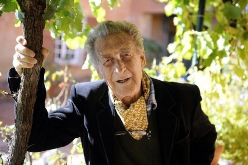 Le journaliste, biographe et historien Jean Lacouture est décédé chez lui jeudi16 juillet, à Roussillon (Vaucluse), à l'âge de 94 ans