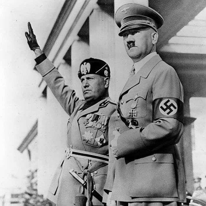Benito Mussolini y Adolf Hitler