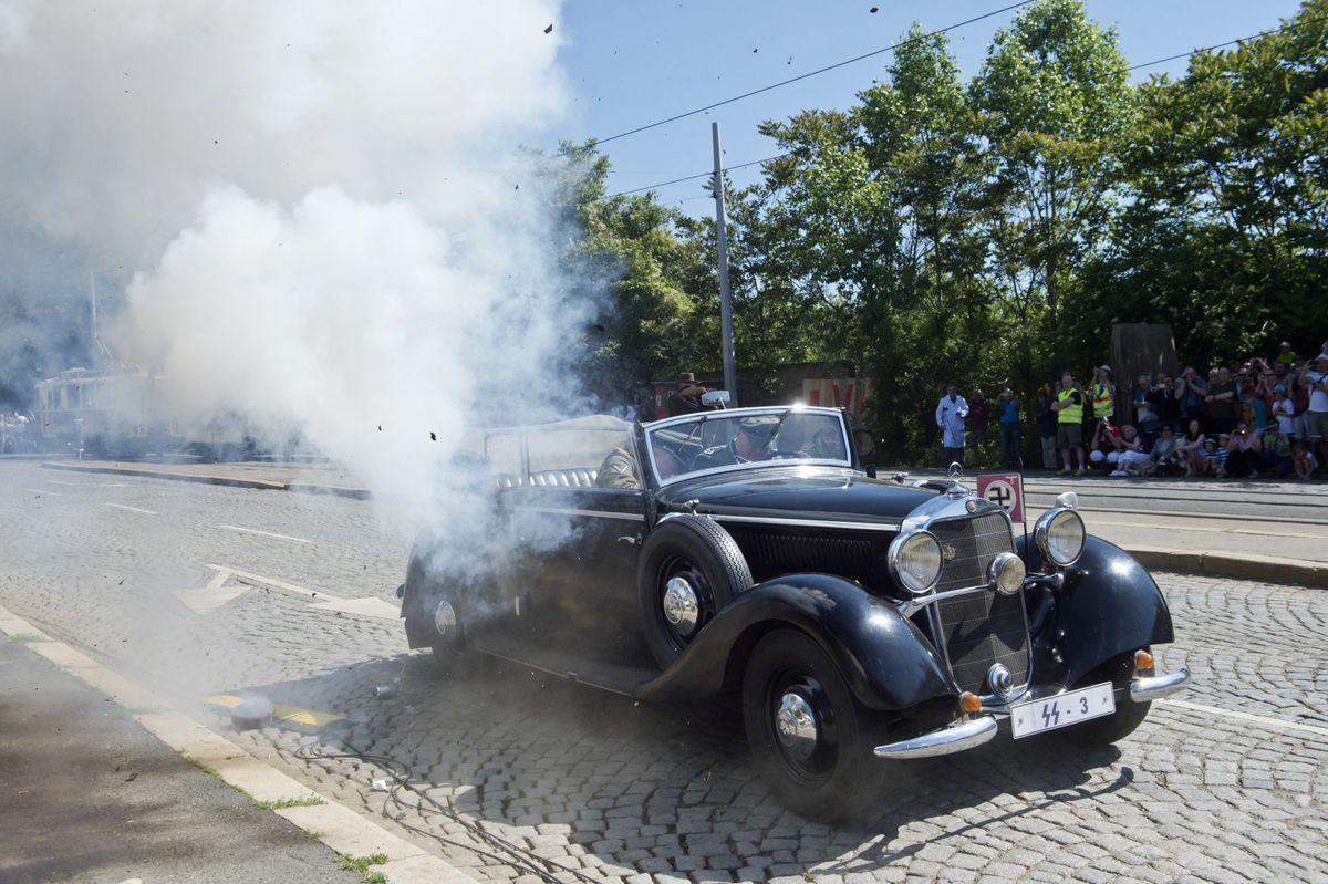 La reconstitution historique de l'attentat, photo: ČTK
