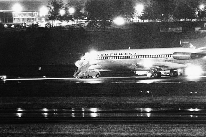 The hijacked Boeing 727 at Seattle-Tacoma Airport. Picture: Seattle Times/Bruce McKimSource:AP