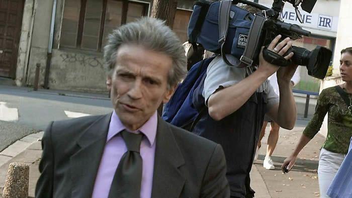 Patrick Henry et son avocat Thierry Lévy, le 13 août 2002 à leur arrivée au tribunal correctionnel de Caen  afp.com/Mychele Deniau