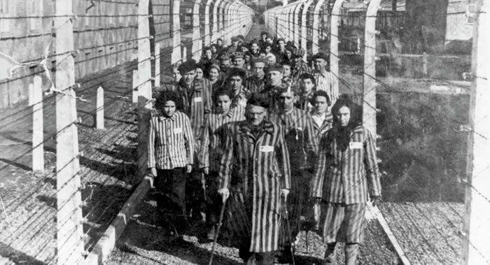 Loi polonaise sur l'Holocauste: Paris dénonce la réécriture de l'histoire