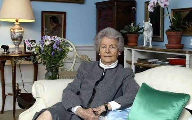 At ease: the Dowager Duchess of Devonshire at Chatsworth in 2005