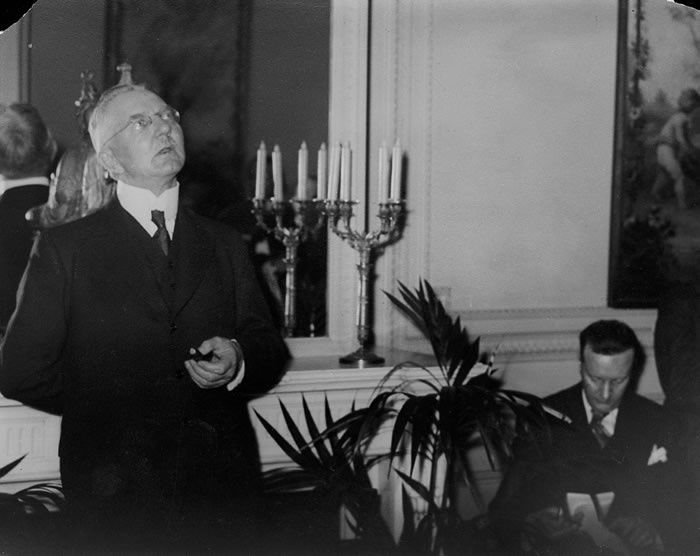 Schacht to Demand 2-year Truce in War on Jews, Catholics