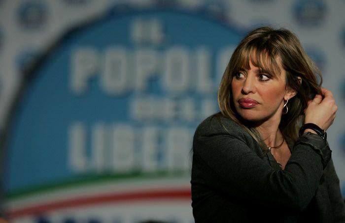 Alessandra Mussolini au siège du parti du Peuple de la liberté à Rome, le 14 avril 2008 (Crédit : AP Photo/Gregorio Borgia/File)