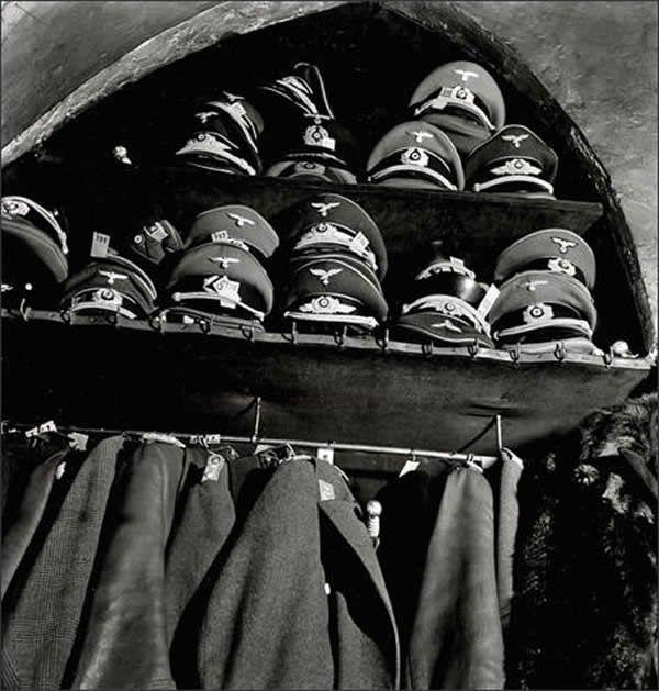 Paris, juin 1940 : le rideau se lève...