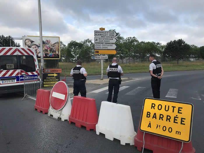 Un périmètre de sécurité d'un rayon de 400 m autour de l'endroit où a été retrouvée la bombe a été mis en place dès 8 h dimanche 30 juin 2019. | OUEST-FRANCE