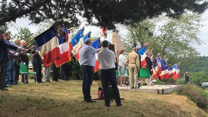 Les portes drapeaux gardiens de la mémoire Radio France - Frédéric CANO