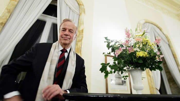 Le réalisateur et metteur en scène Franco Zeffirelli (ici en 2004) est mort à l'âge de 96 ans samedi dans sa résidence de Rome. PAOLO COCCO/AFP