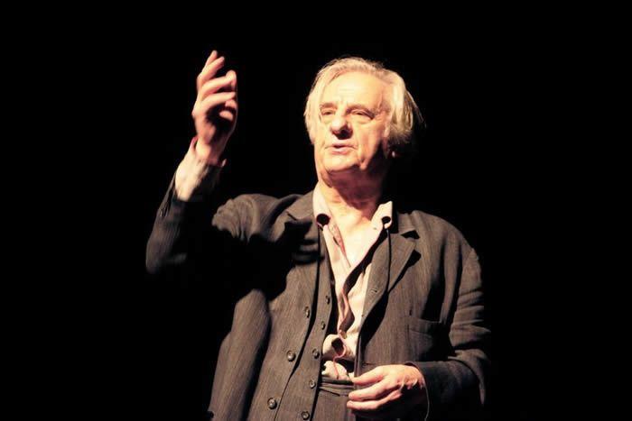Michel Aumont lors des répétitions de «A la porte», au Théâtre de l'œuvre, à Paris, en janvier 2007. Photo Mehdi Fedouach. AFP