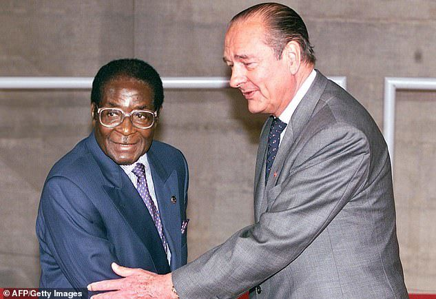 Chirac in November 1998 with Zimbabwean leader Robert Mugabe, who also died this month