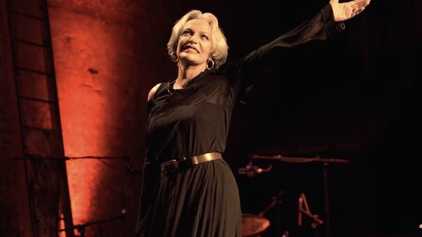Marie Laforêt, le 12 septembre 2005 au Théâtre des Bouffes Parisiens © JOEL ROBINE / AFP