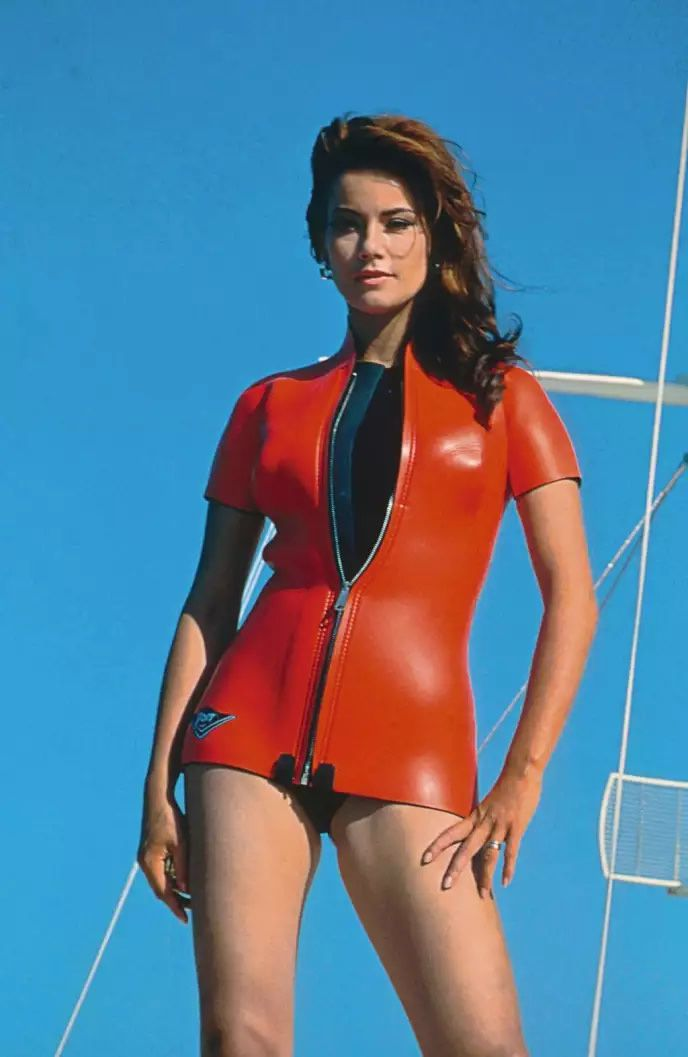 Claudine Auger dans « Opération tonnerre » (1965), de Terence Young. The Kobal Collection