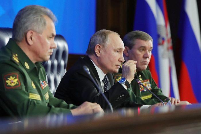 Vladimir Poutine se trouvait au ministère russe de la Défense ce mardi 24 décembre. Crédit : MIKHAIL KLIMENTYEV / SPUTNIK / AFP