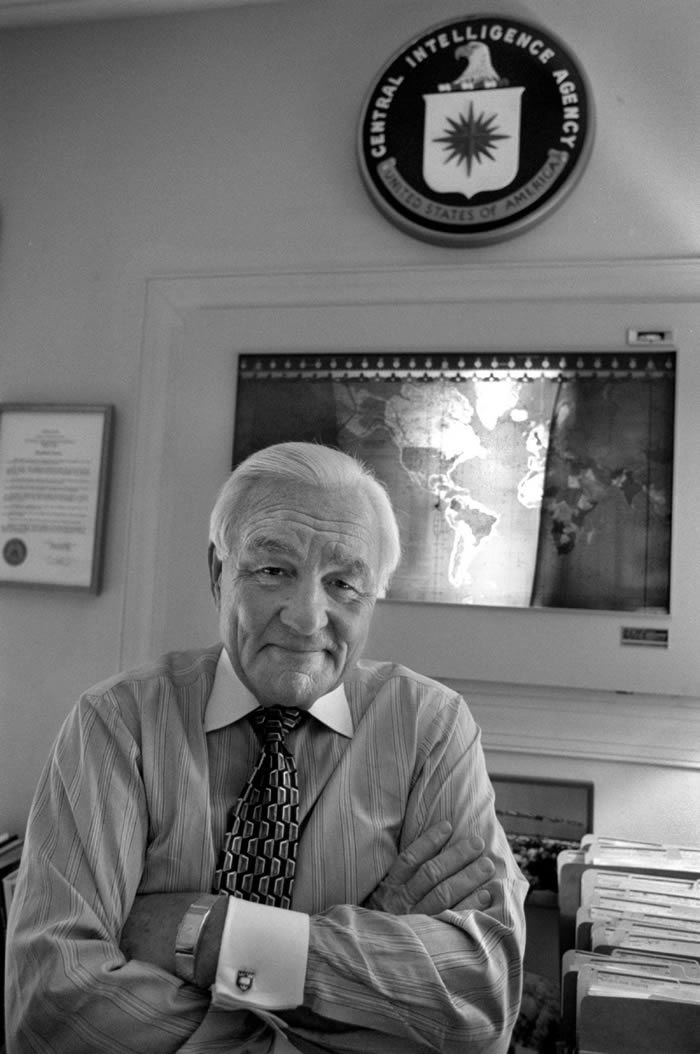 Stansfield Turner in his home office in 1997. (Susan Biddle/The Washington Post)