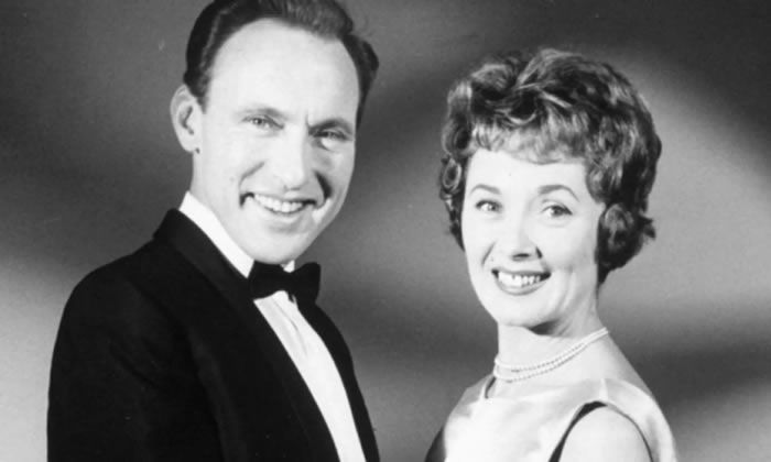Pearl Carr with Teddy Johnson in 1965. The duo appeared in everything from pantomimes and summer shows to a bill with the Beatles. Photograph: Dezo Hoffman/Rex/Shutterstock