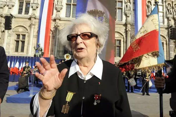 La résistante Cécile Rol-Tanguy, lors du 65e anniversaire de la libération de Paris, devant l'Hôtel de Ville, le 25 août 2009. BERTRAND GUAY / AFP
