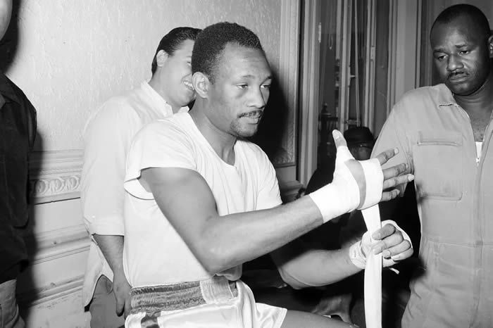 Hall of Fame welterweight Curtis Cokes dies of heart failure at 82