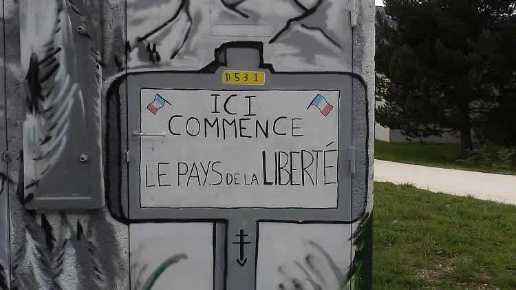 Un hommage à la résistance dans le Vercors. - Mémorial de Vassieux-en-Vercors
