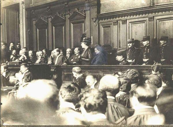 Henriette Caillaux à son procès